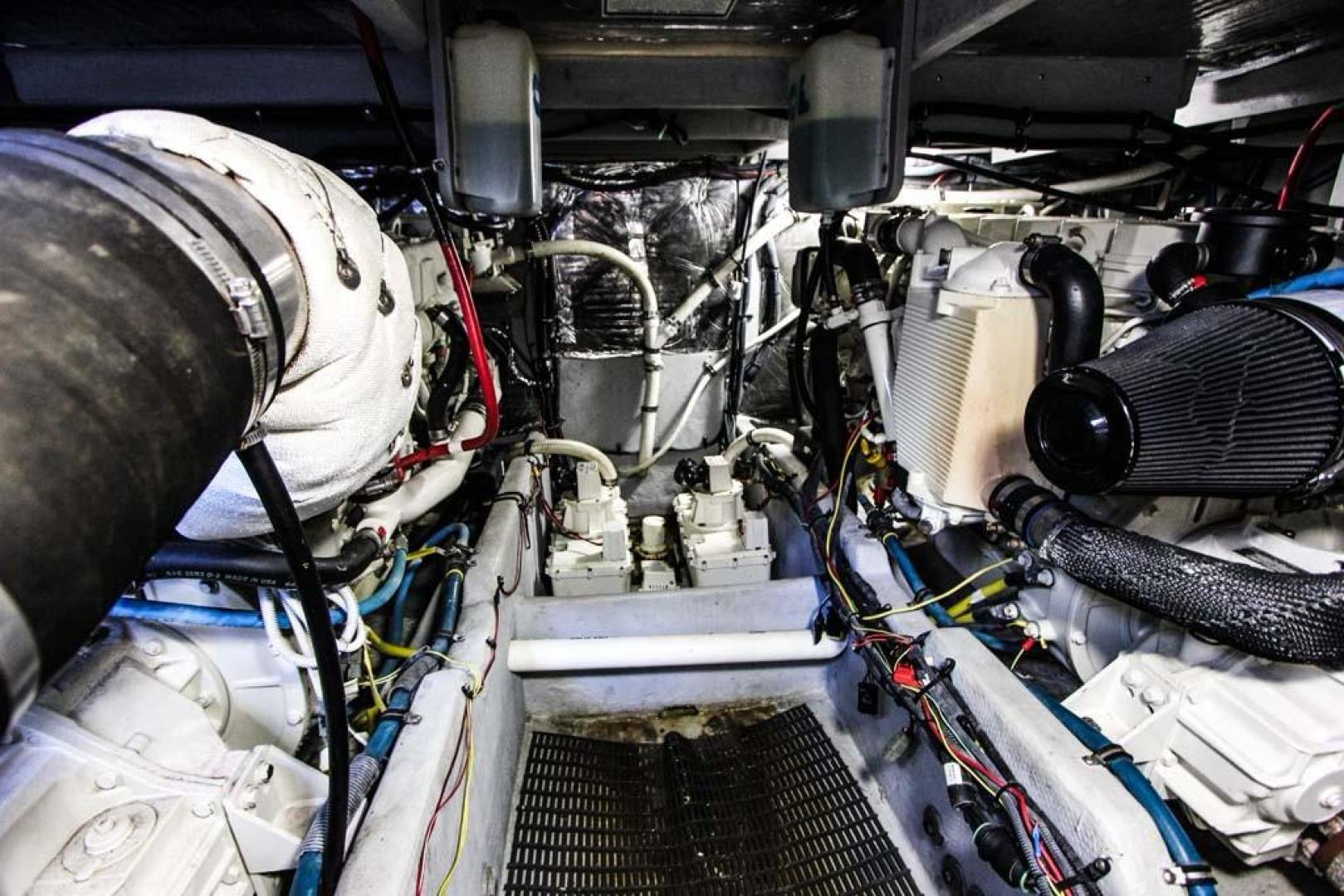Meridian-411 Sedan Bridge 2006-Mar Cella Miami-Florida-United States-Engine Room-918728 | Thumbnail