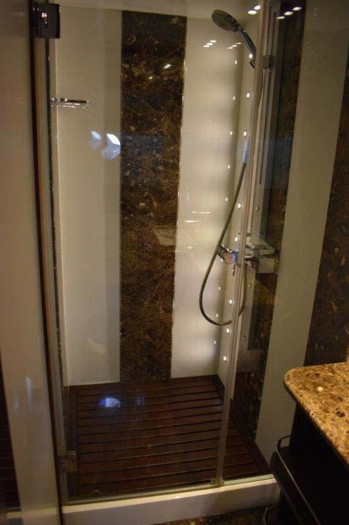 PerMare-Amer 92 2010-Lady H Sanremo-Italy-Guest Cabin Shower-923797 | Thumbnail