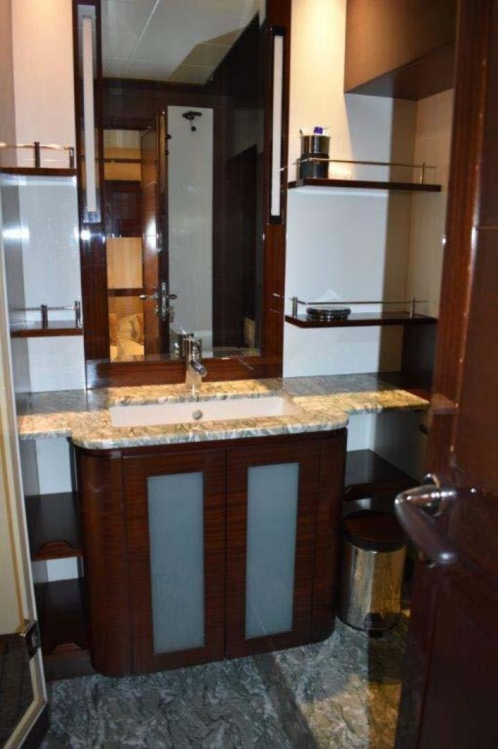 PerMare-Amer 92 2010-Lady H Sanremo-Italy-Guest Cabin Head-923802 | Thumbnail