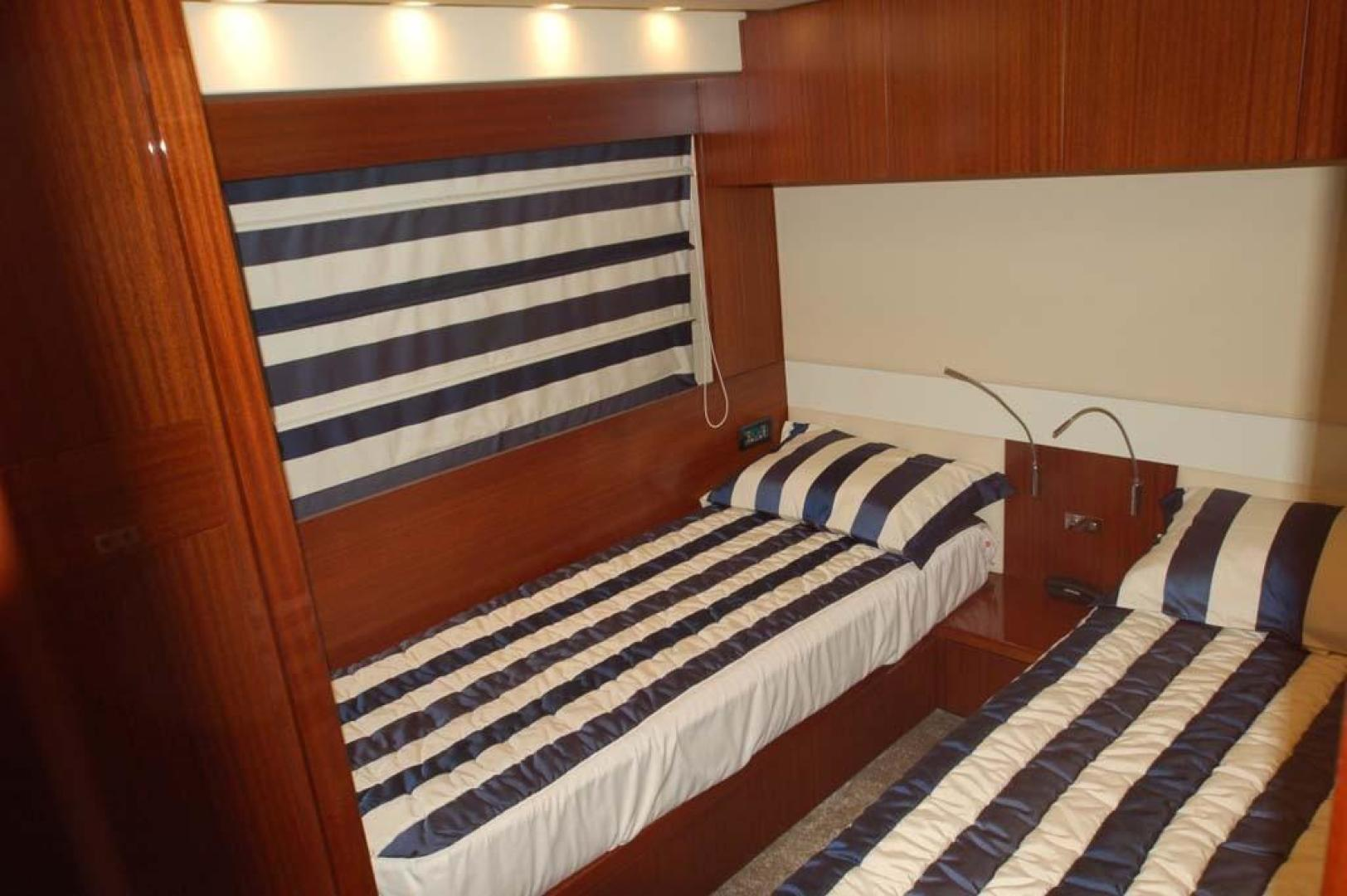 PerMare-Amer 92 2009-Elenoire ll Sanremo Florida-Italy-Guest Cabin-923824 | Thumbnail