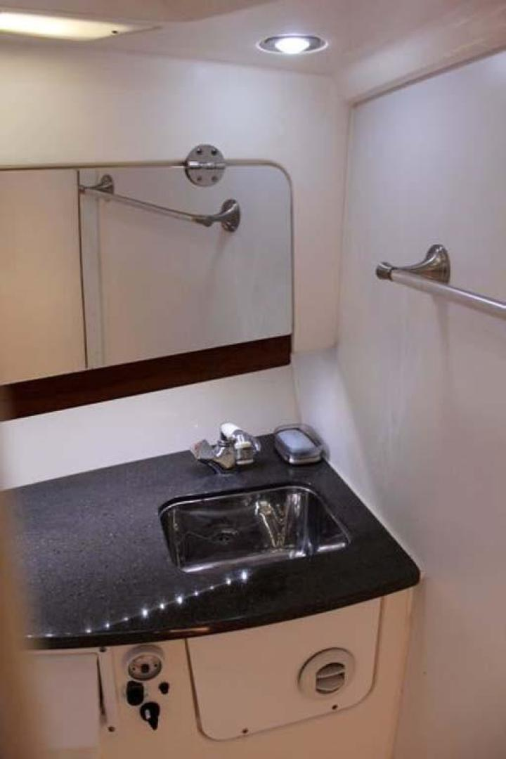 Everglades-35 LX NEW POWER 2010 -Delray Beach-Florida-United States-Galley Sink-923995 | Thumbnail