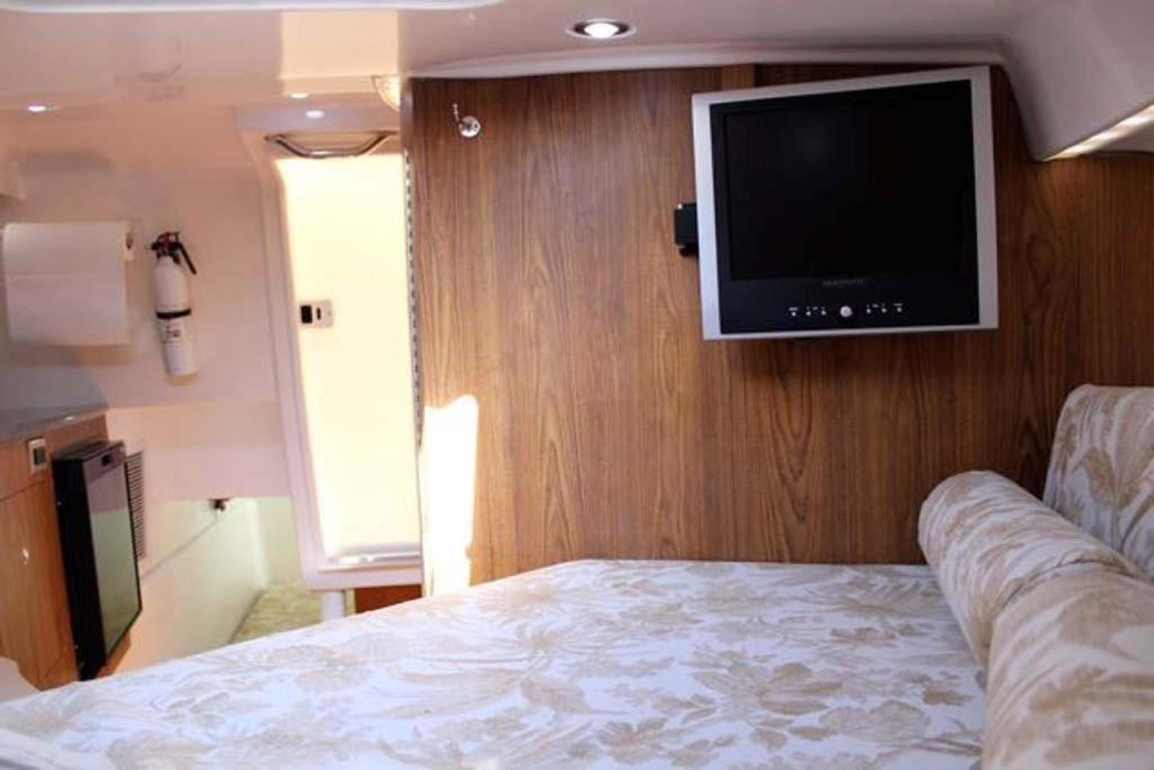 Everglades-35 LX NEW POWER 2010 -Delray Beach-Florida-United States-Cabin TV-923993 | Thumbnail