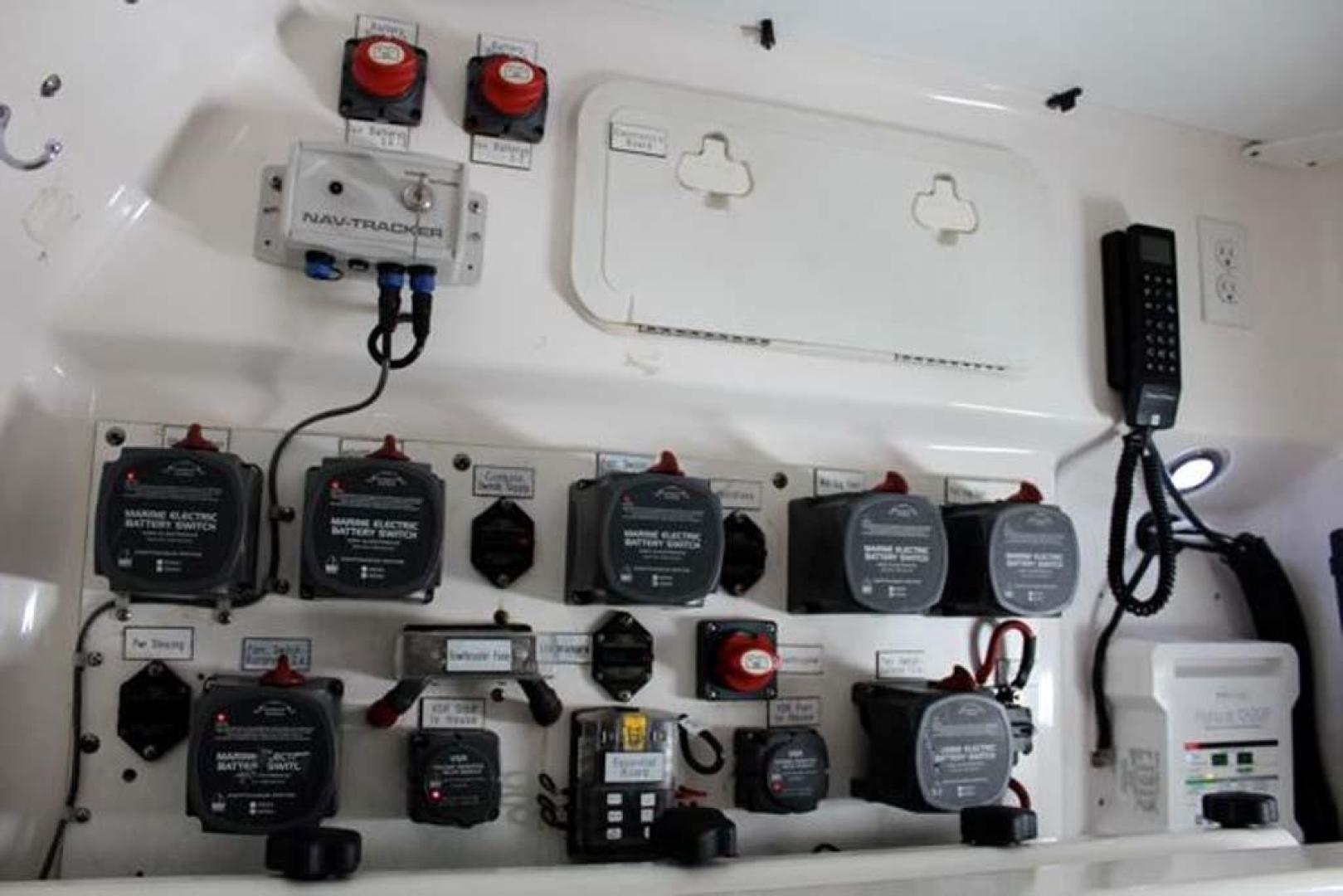 Everglades-35 LX NEW POWER 2010 -Delray Beach-Florida-United States-Battery Switches-923984 | Thumbnail