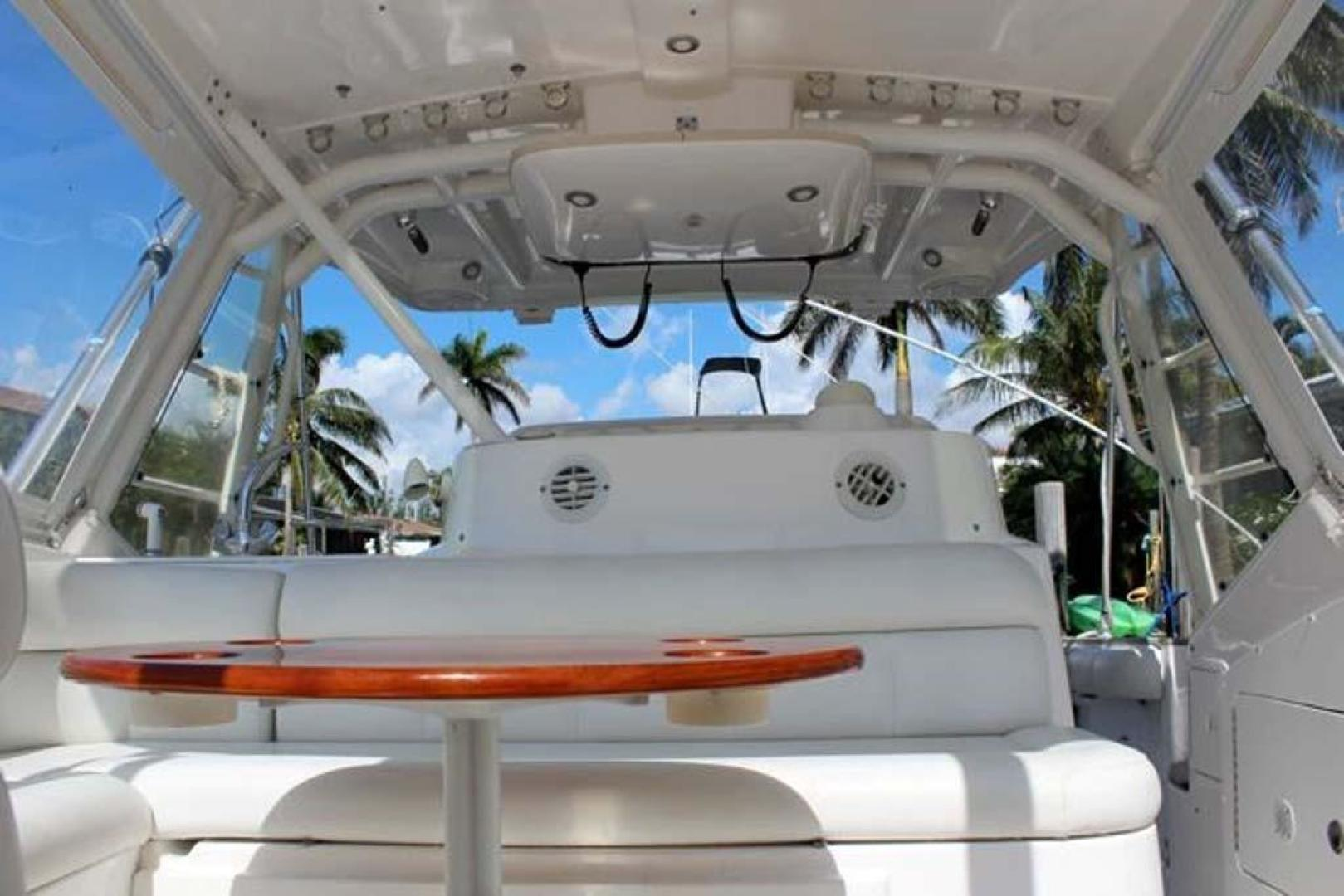 Everglades-35 LX NEW POWER 2010 -Delray Beach-Florida-United States-Fwd Table-923989 | Thumbnail