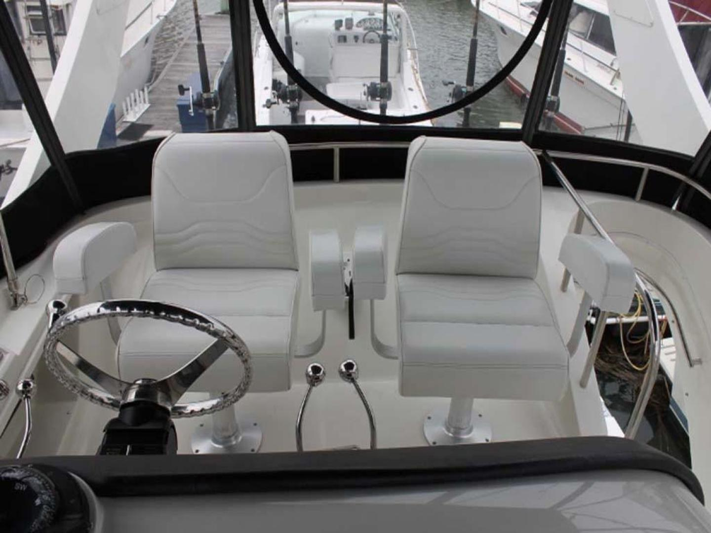 Carver-38 Super Sport 2007-Amazed Wildwood-New Jersey-United States-Helm Seats-928157 | Thumbnail