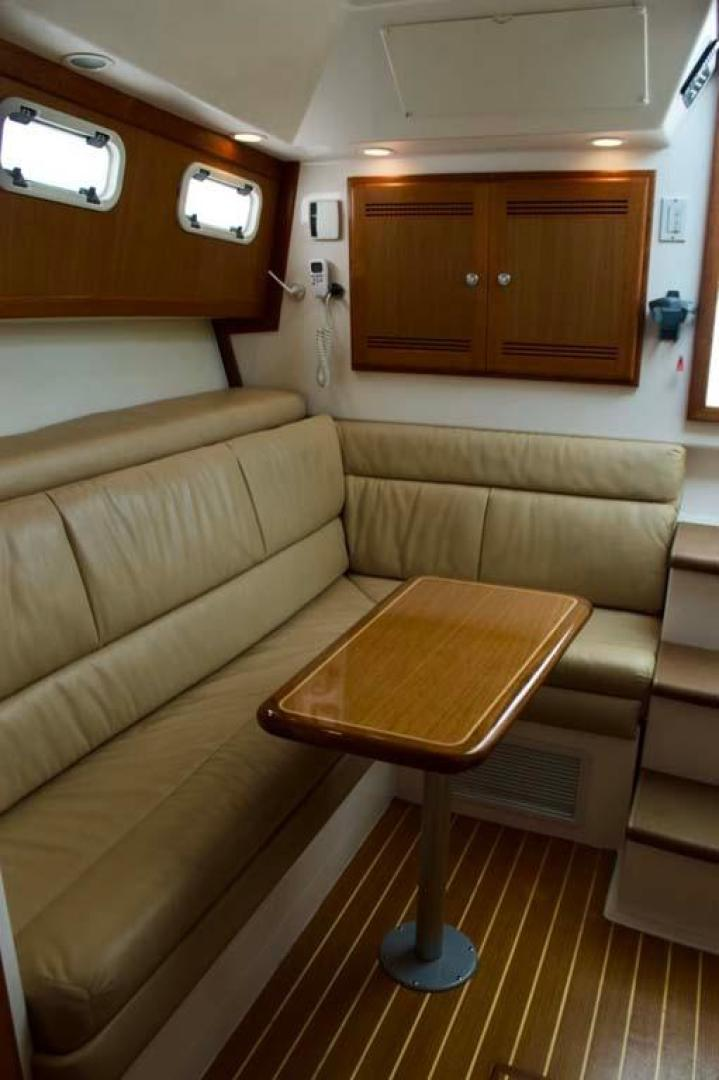 Cabo-35 Express 2006-Genesis Manteo-North Carolina-United States-Dinette-930191 | Thumbnail