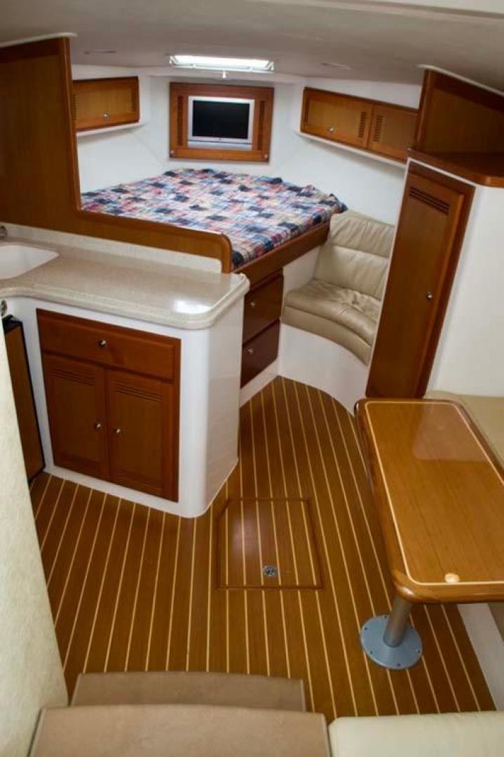 Cabo-35 Express 2006-Genesis Manteo-North Carolina-United States-Salon-930190 | Thumbnail
