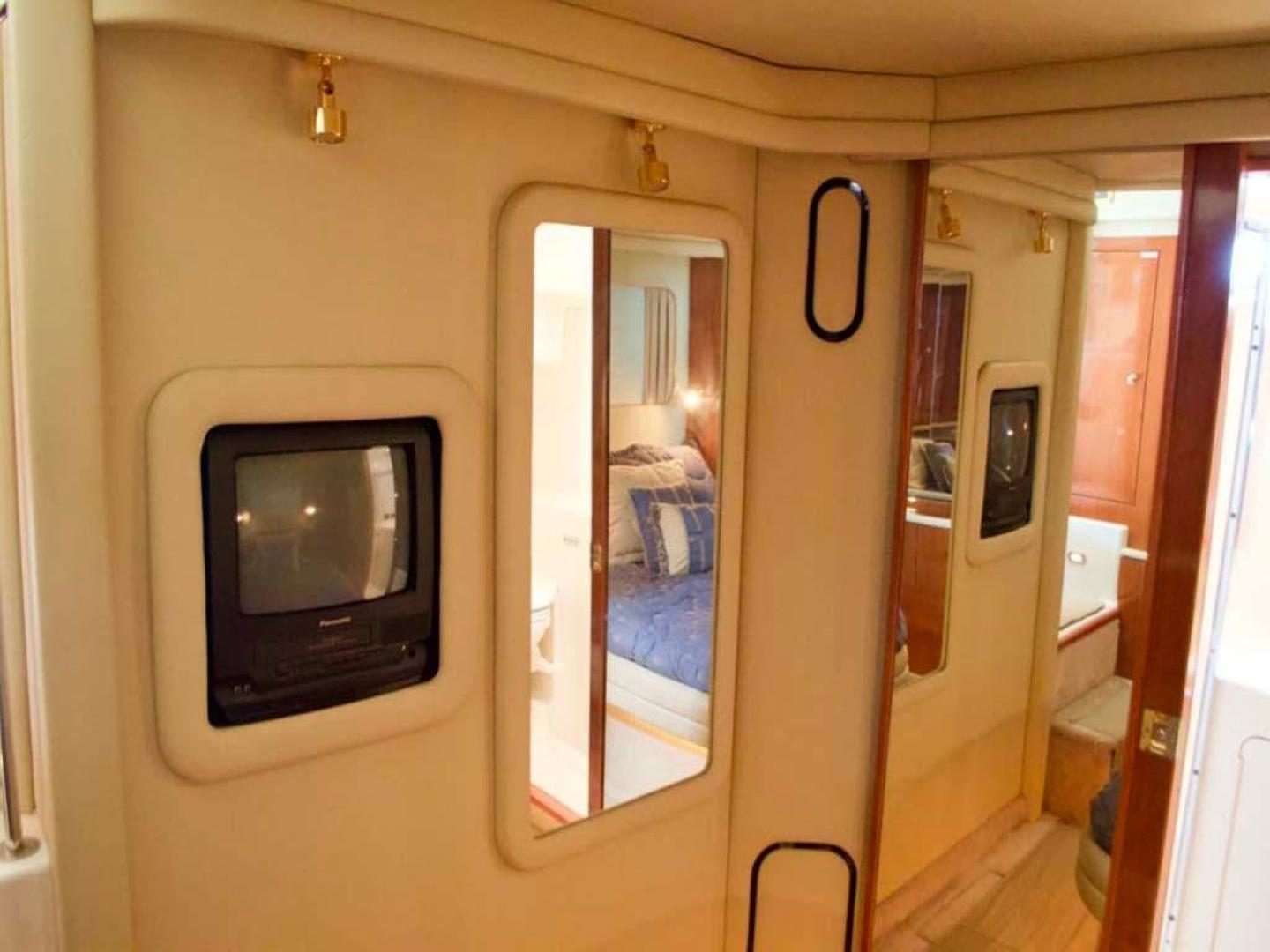 Sea Ray-420 Aft Cabin 2000-YOLO Long Island-New York-United States-Master Stateroom-930340 | Thumbnail