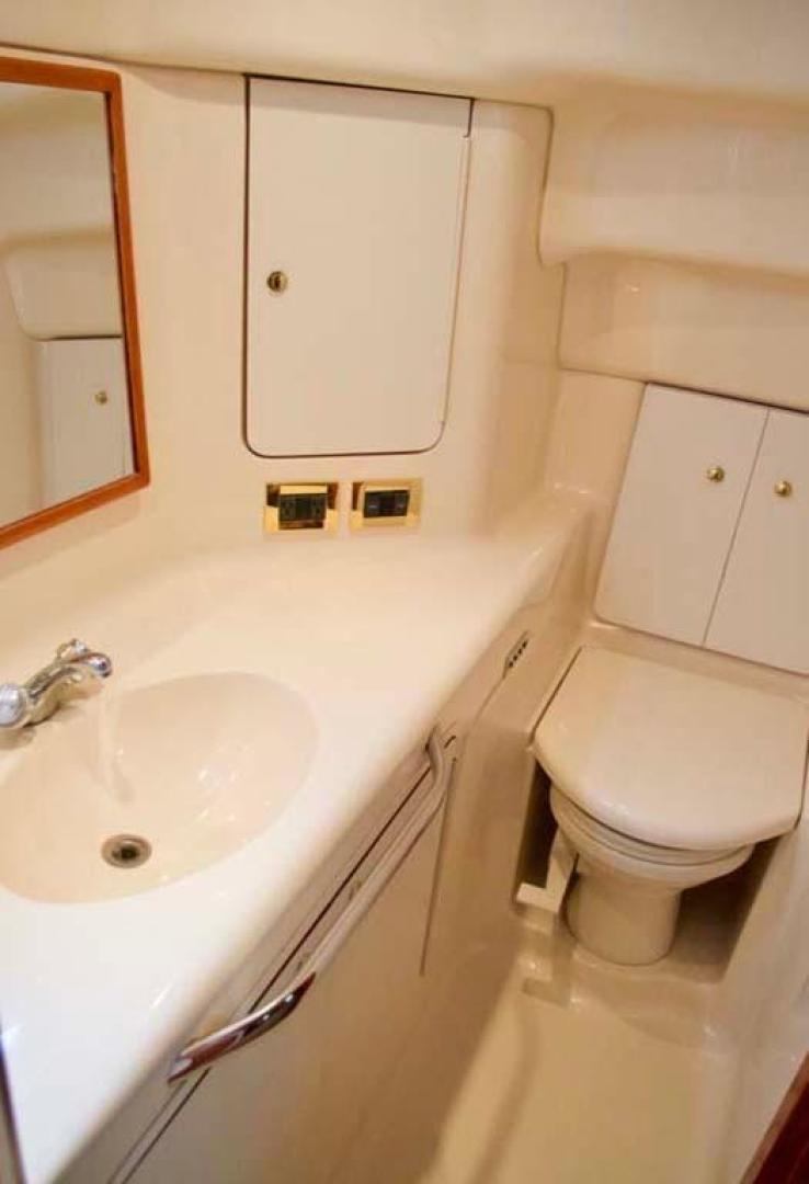 Sea Ray-420 Aft Cabin 2000-YOLO Long Island-New York-United States-Master Head-930342 | Thumbnail