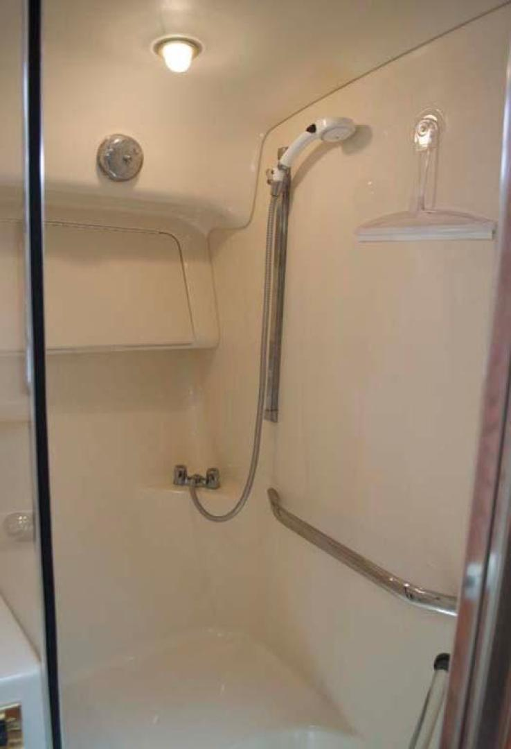 Sea Ray-420 Aft Cabin 2000-YOLO Long Island-New York-United States-Guest Shower-930351 | Thumbnail