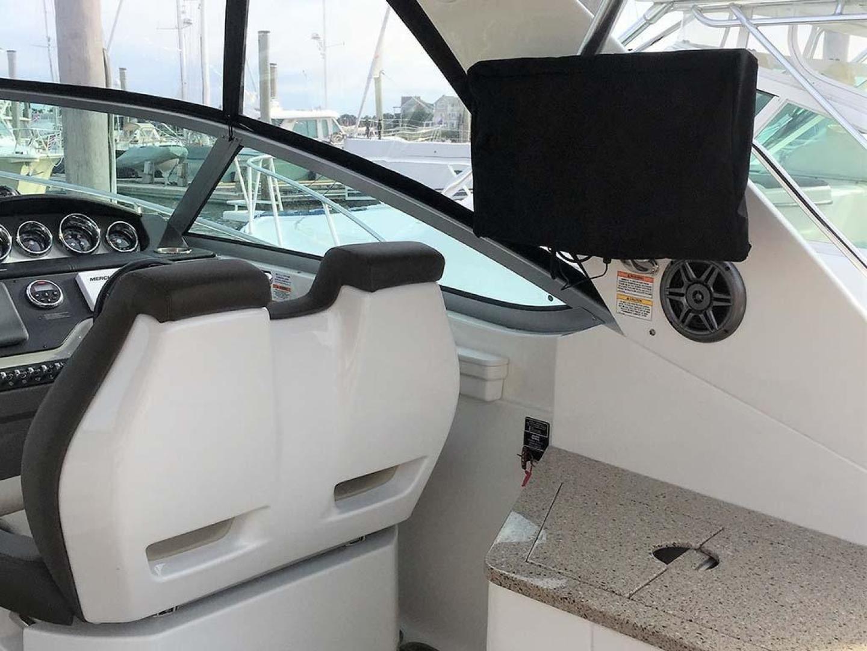 Sea Ray-350 Sundancer 2015-Tyeland Hyannis-Massachusetts-United States-Cockpit TV-930368 | Thumbnail