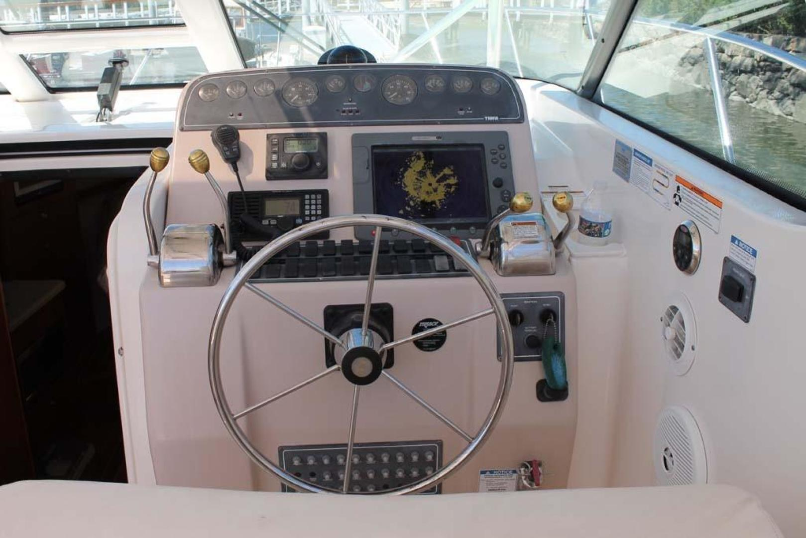 Tiara Yachts-32 Open 2007-Halfway Tree Greenwich-Connecticut-United States-Helm-920876 | Thumbnail