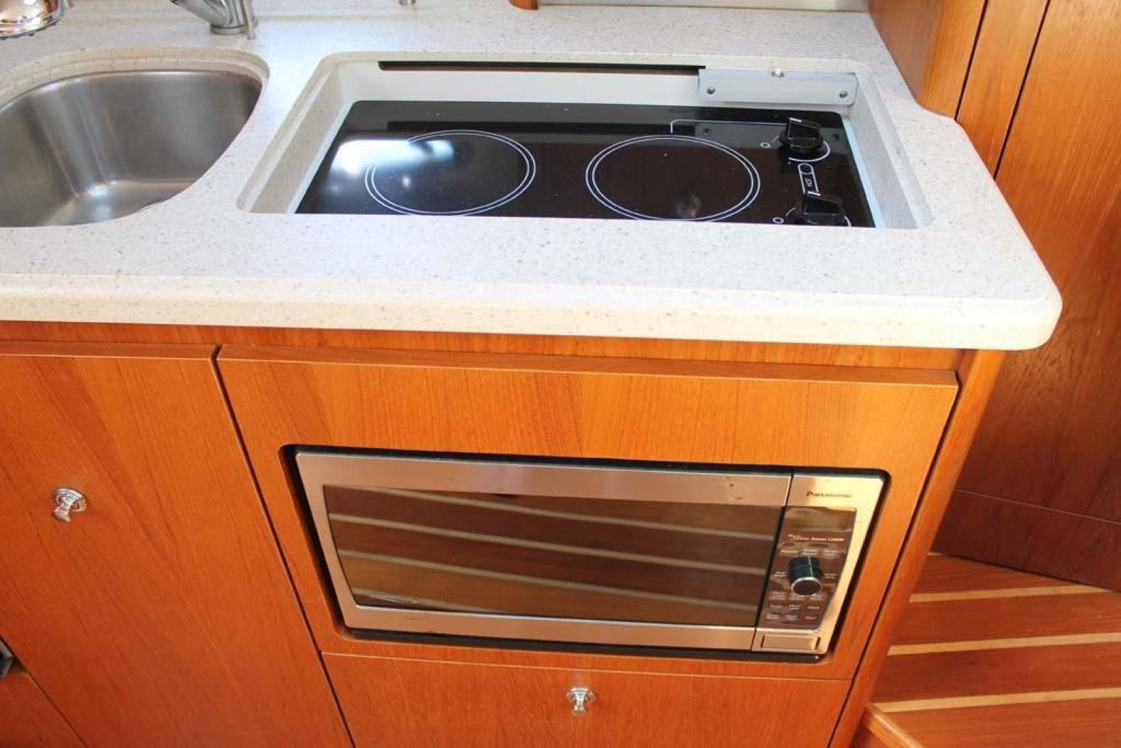 Tiara-32 Open 2007-Halfway Tree Greenwich-Connecticut-United States-Two-burner Stove-920883 | Thumbnail