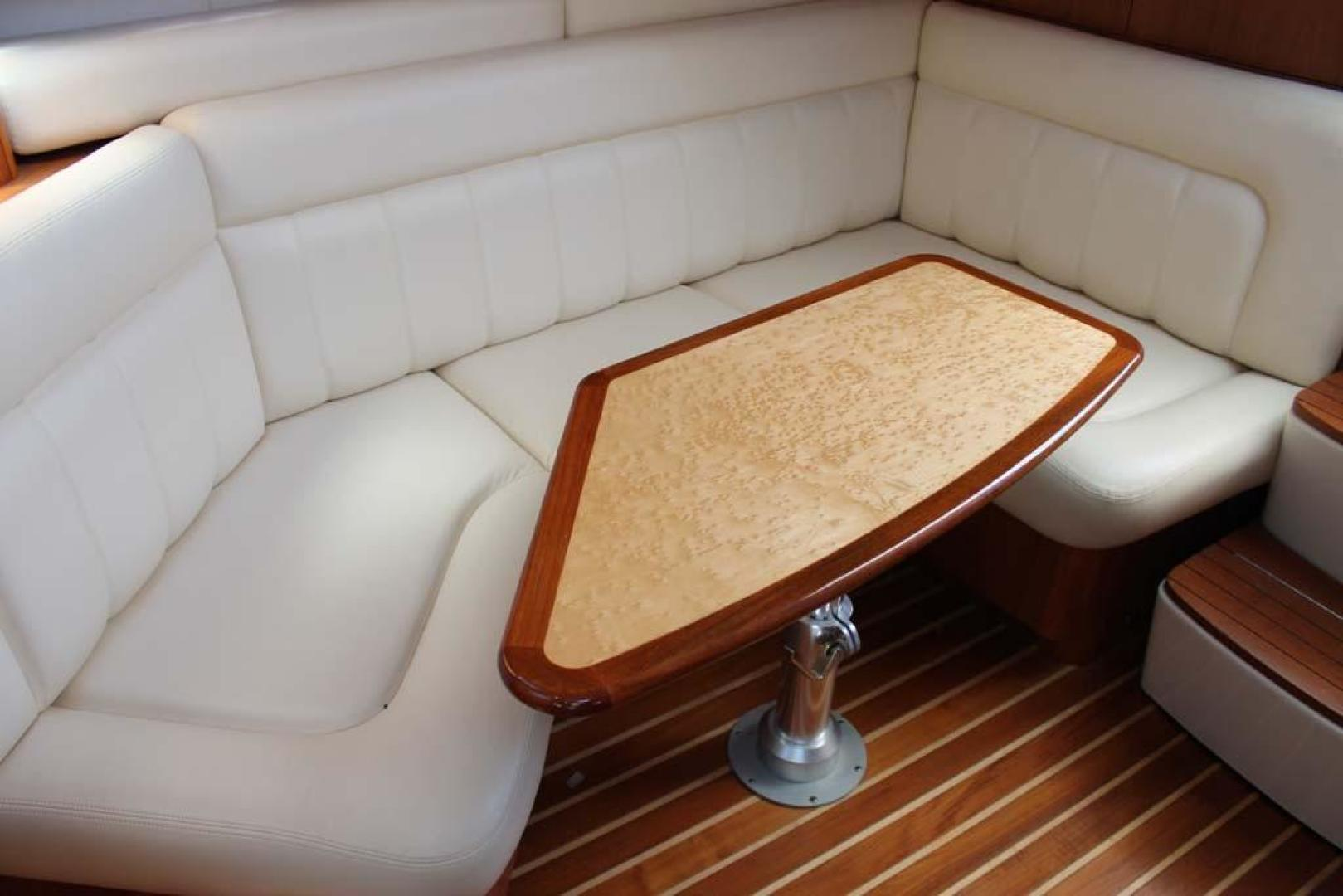 Tiara Yachts-32 Open 2007-Halfway Tree Greenwich-Connecticut-United States-Dinette-920879 | Thumbnail