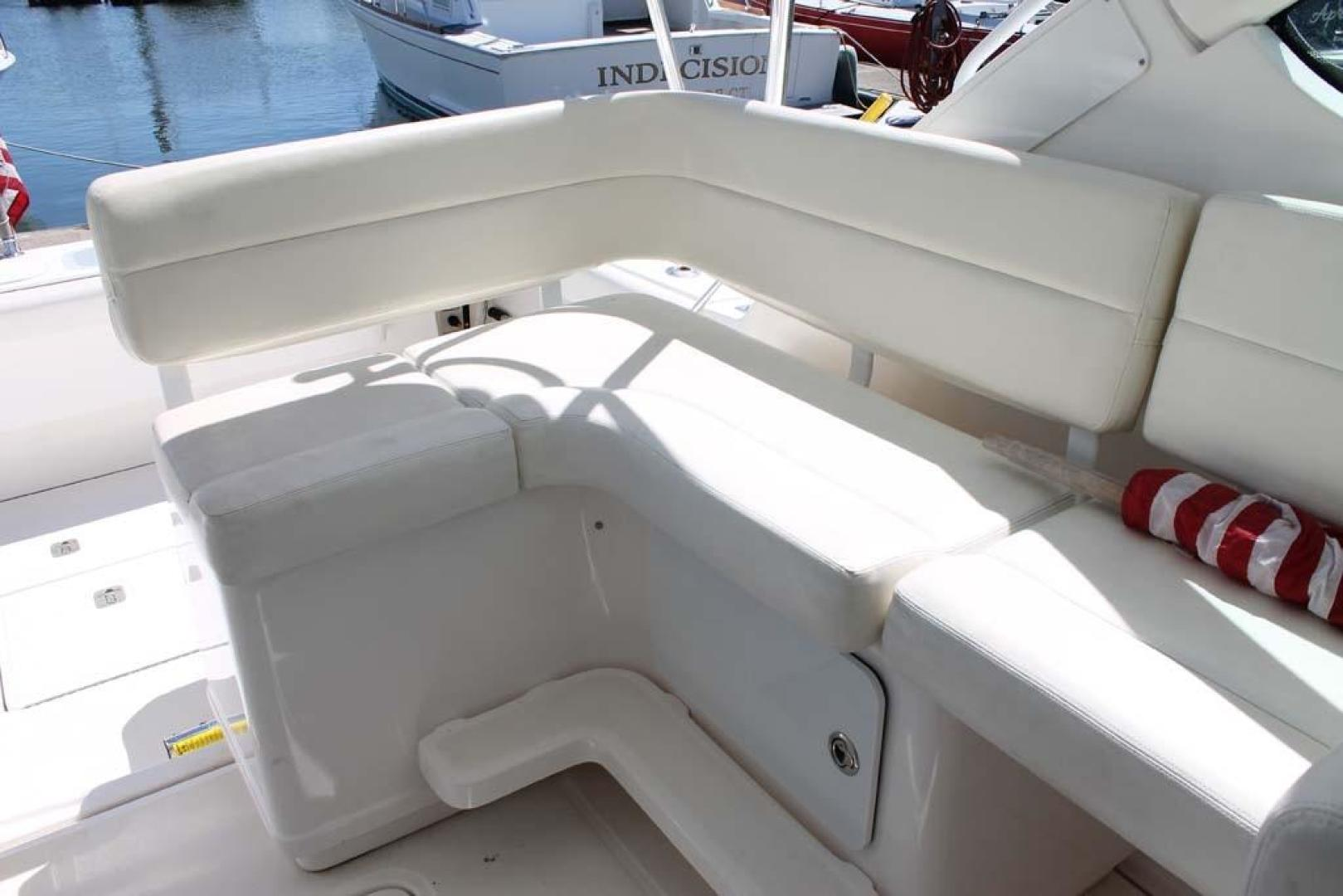 Tiara-32 Open 2007-Halfway Tree Greenwich-Connecticut-United States-Bridge Deck Seating-920873 | Thumbnail