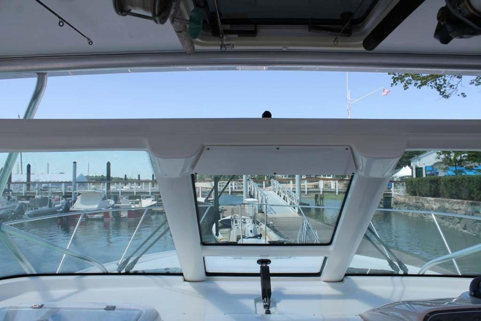 Tiara Yachts-32 Open 2007-Halfway Tree Greenwich-Connecticut-United States-Windshield-920875 | Thumbnail
