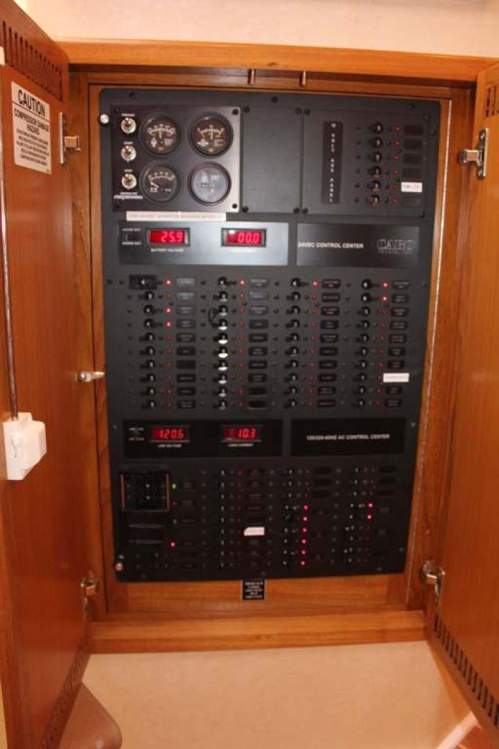 Cabo-40 Express 2007-C Hoss Orange Beach-Alabama-United States-Electrical Panel-927805 | Thumbnail