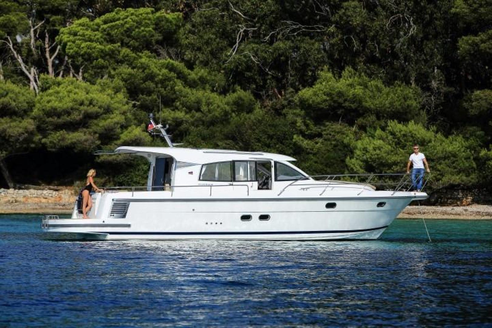 Picture Of: 44' Nimbus 405 COUPÉ 2017 Yacht For Sale | 1 of 23