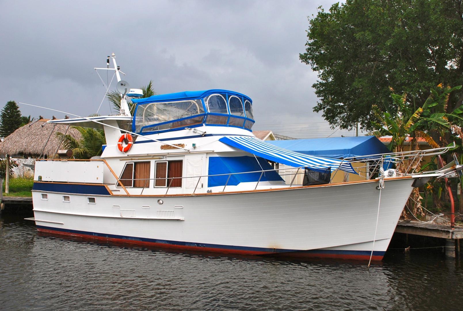 43' Ocean Alexander Sundeck