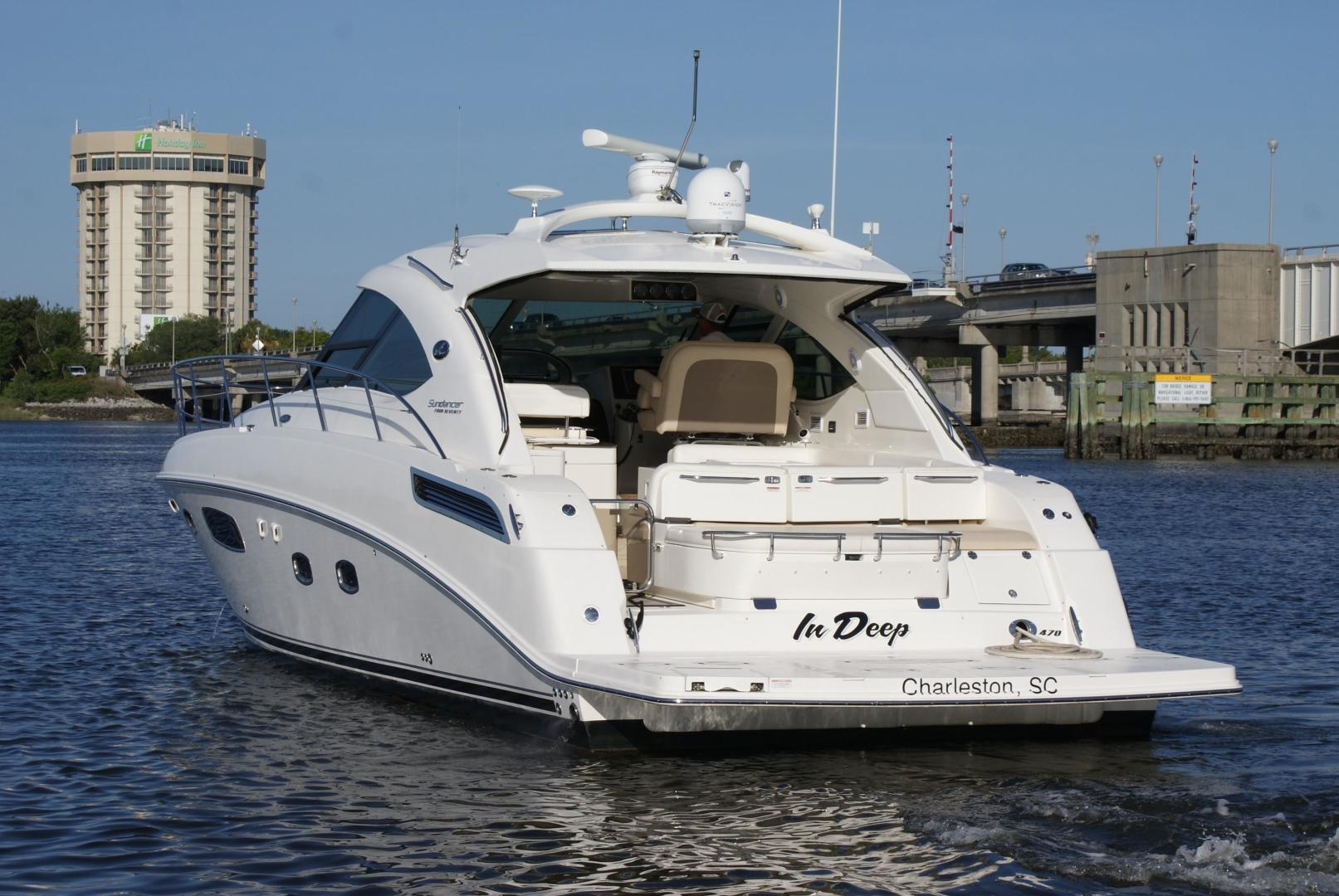 Picture Of: 47' Sea Ray 470 Sundancer 2012 Yacht For Sale | 2 of 29