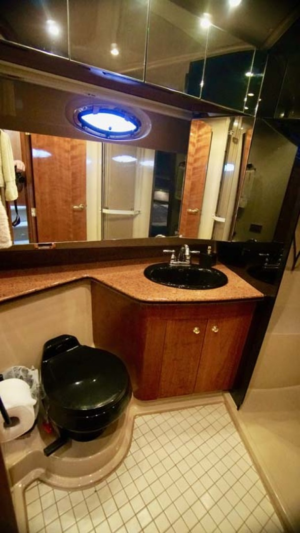 Cruisers Yachts-5000 Sport Sedan 1999-YOLO Niceville-Florida-United States-Master HEad-1092894 | Thumbnail