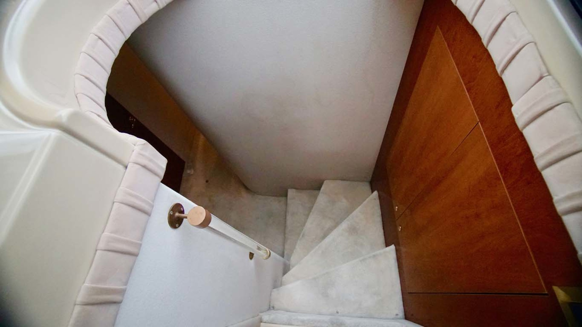 Cruisers Yachts-5000 Sport Sedan 1999-YOLO Niceville-Florida-United States-Stairs to Cabins-1092881 | Thumbnail
