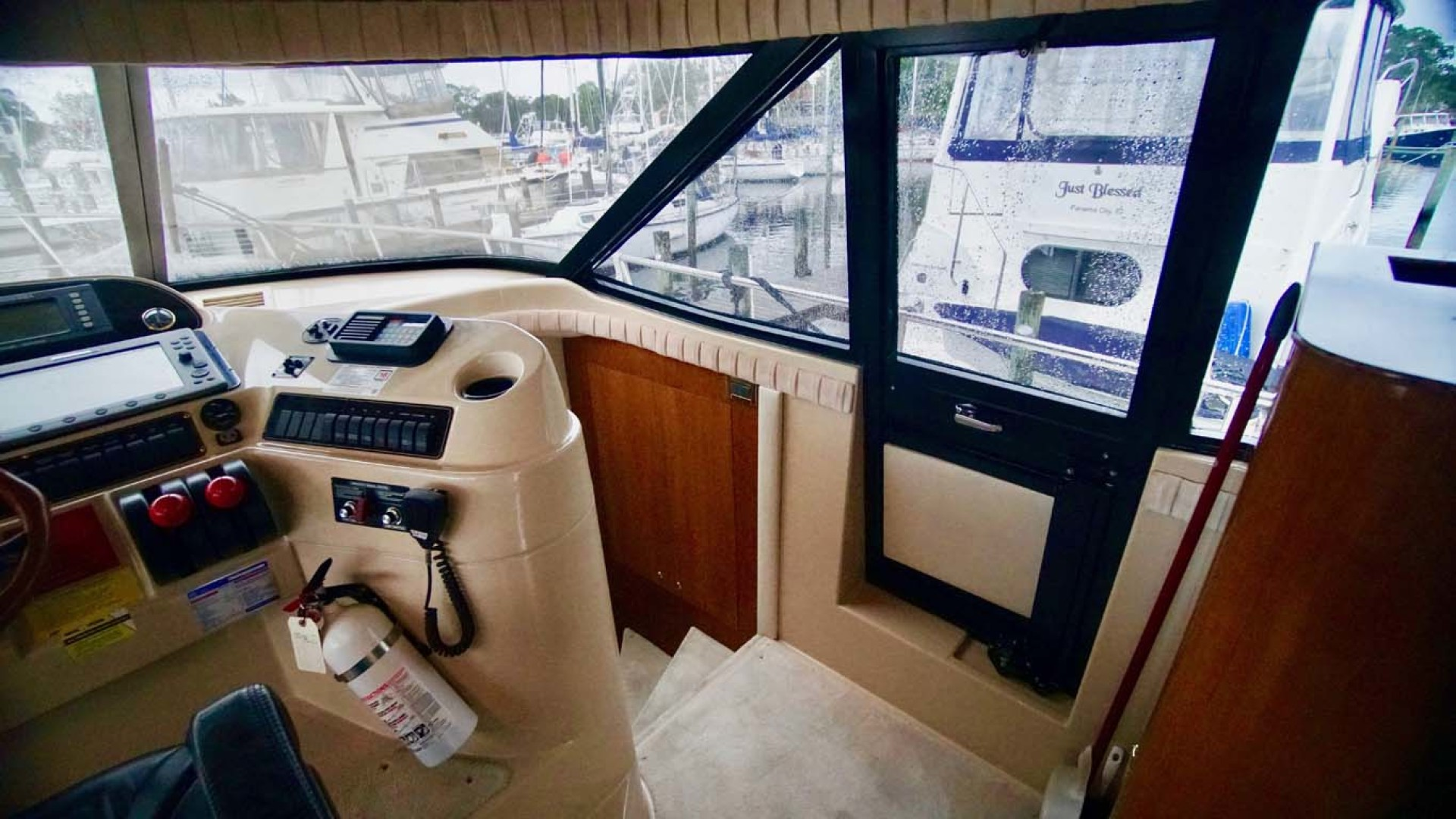 Cruisers Yachts-5000 Sport Sedan 1999-YOLO Niceville-Florida-United States-Helm Area Entry-1092880 | Thumbnail