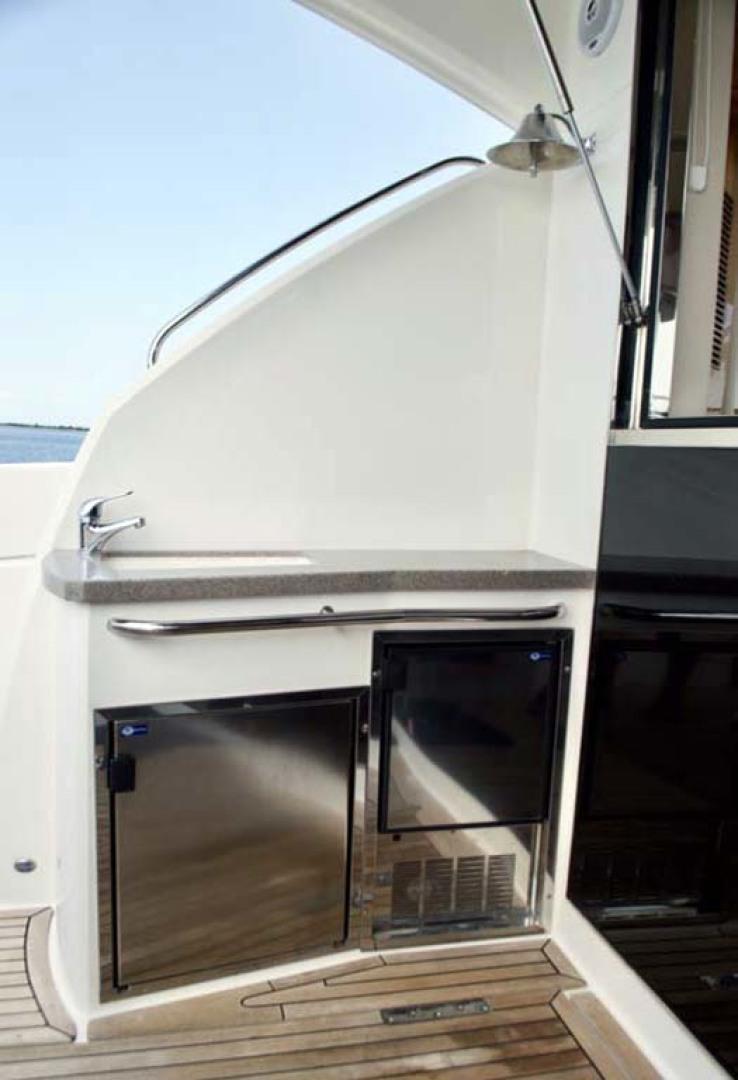 Riviera-4400 Sport Yacht 2009-Soul Mates Long Island-United States-Wet Bar-1062544 | Thumbnail