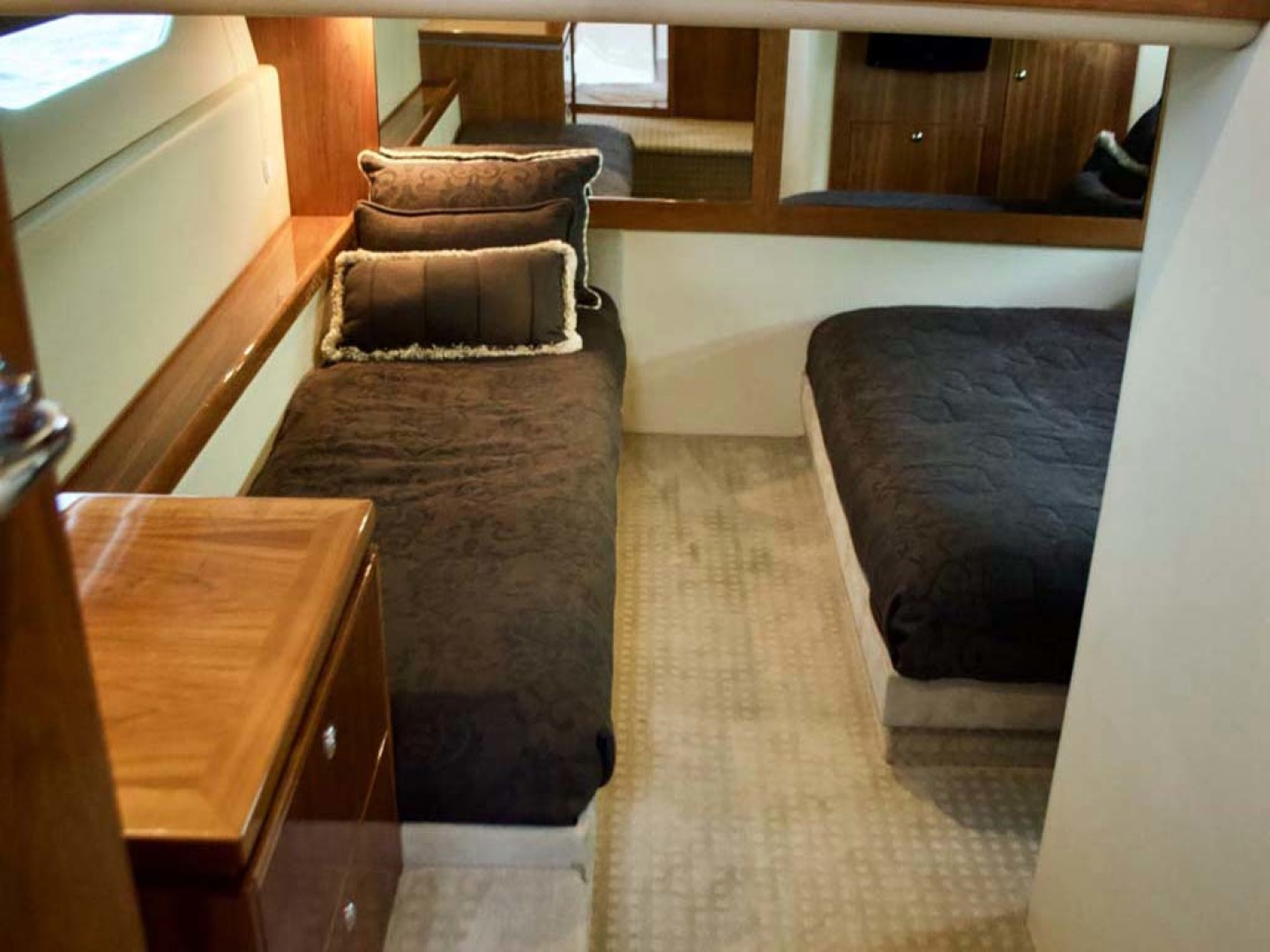 Riviera-4400 Sport Yacht 2009-Soul Mates Long Island-United States-Guest Stateroom-1062557 | Thumbnail