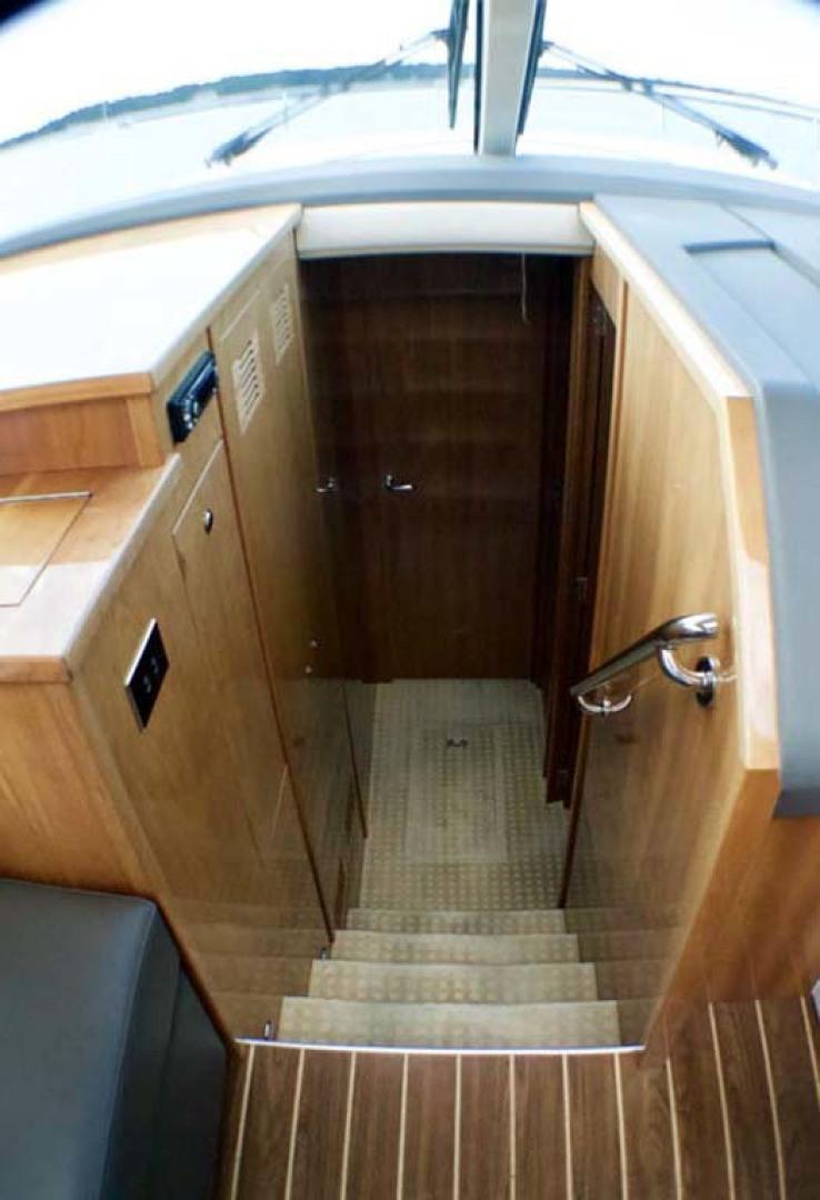 Riviera-4400 Sport Yacht 2009-Soul Mates Long Island-United States-Companionway-1062546 | Thumbnail