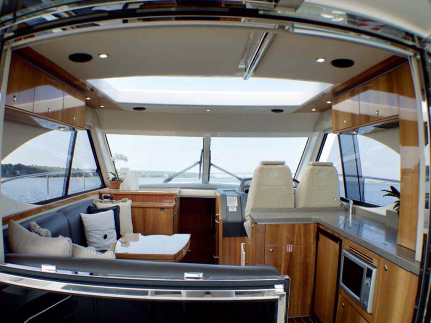 Riviera-4400 Sport Yacht 2009-Soul Mates Long Island-United States-Helm Deck-1062570 | Thumbnail