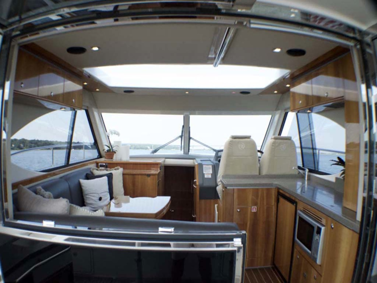 Riviera-4400 Sport Yacht 2009-Soul Mates Long Island-United States-Helm Deck-1062569 | Thumbnail