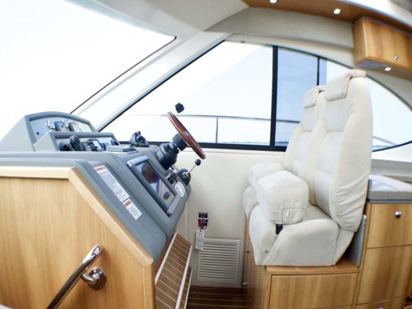 Riviera-4400 Sport Yacht 2009-Soul Mates Long Island-United States-Helm Overview-1062564 | Thumbnail
