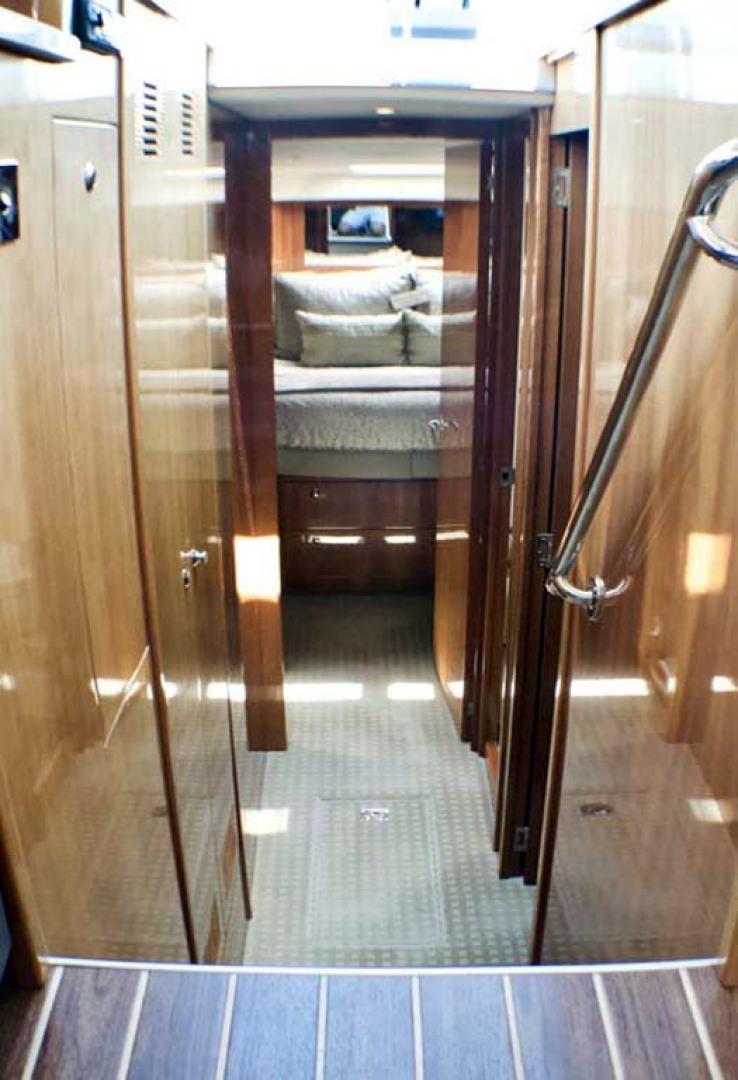 Riviera-4400 Sport Yacht 2009-Soul Mates Long Island-United States-Companionway-1062547 | Thumbnail