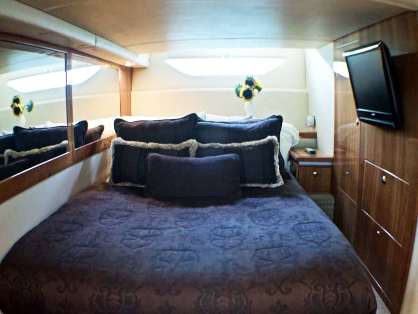 Riviera-4400 Sport Yacht 2009-Soul Mates Long Island-United States-Guest Stateroom-1062559 | Thumbnail