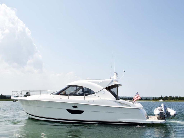 Riviera-4400 Sport Yacht 2009-Soul Mates Long Island-United States-44 Riviera 2009 Port Profile-1062529 | Thumbnail