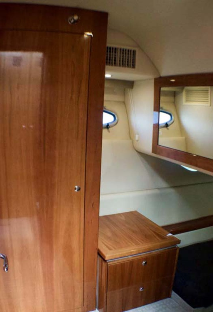 Riviera-4400 Sport Yacht 2009-Soul Mates Long Island-United States-Guest Stateroom-1062558 | Thumbnail