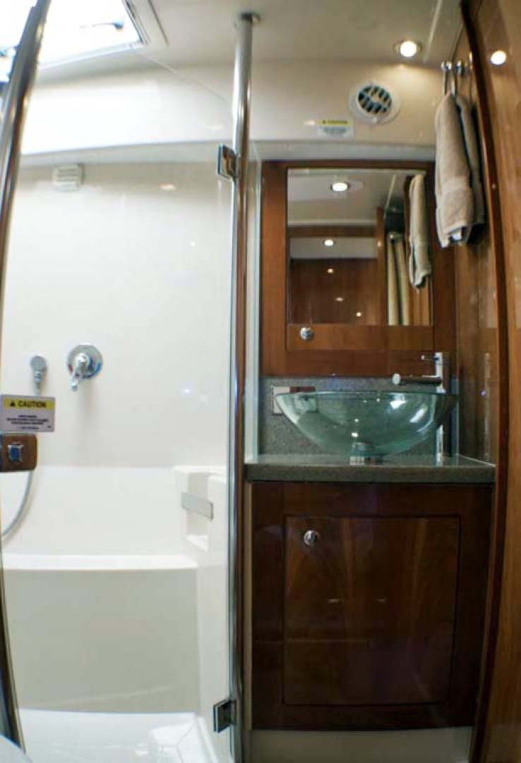 Riviera-4400 Sport Yacht 2009-Soul Mates Long Island-United States-Guest Head-1062561 | Thumbnail