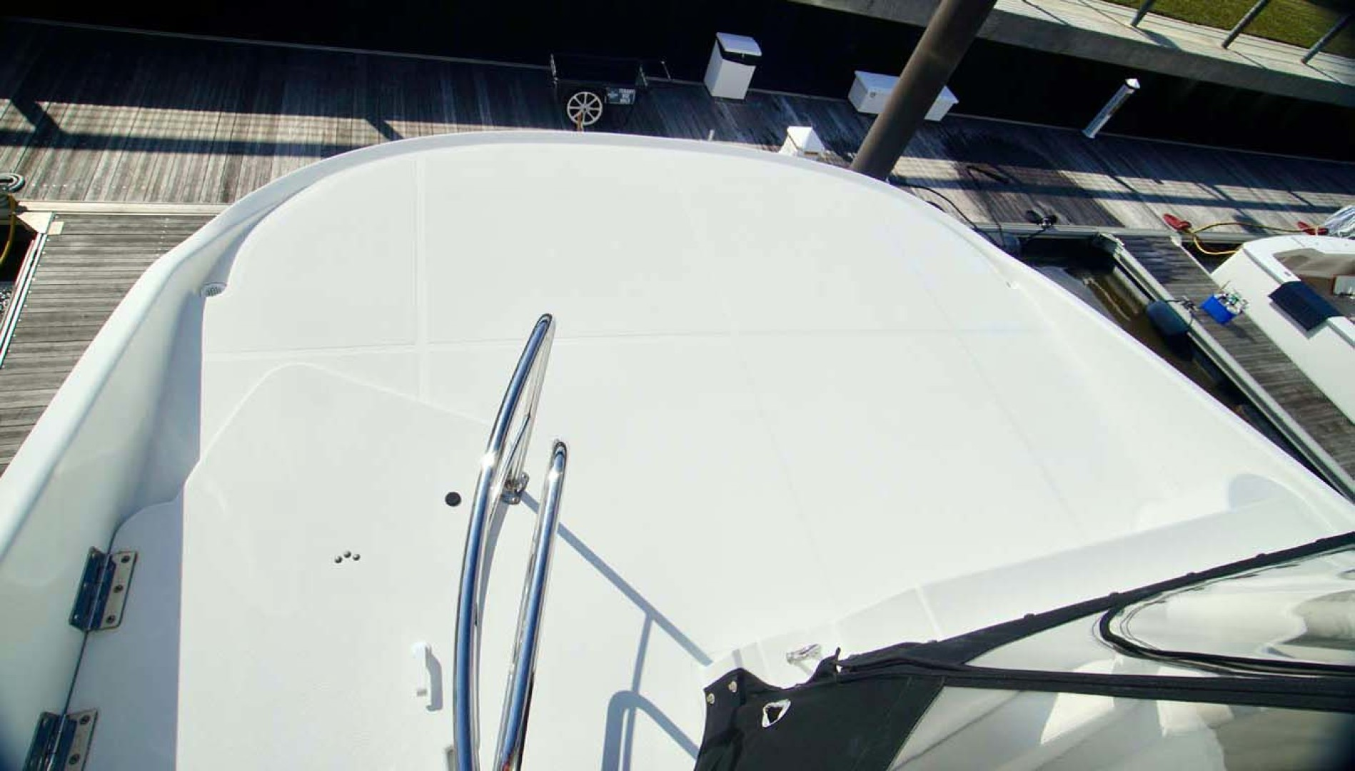 Carver-560 Voyager 2006-NEED A BREAK Fort Myers-Florida-United States-Cockpit-1105799 | Thumbnail
