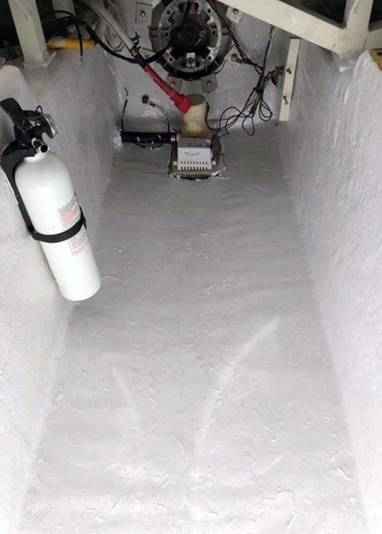 Carver-560 Voyager 2006-NEED A BREAK Fort Myers-Florida-United States-Engine Room Floor-1105806   Thumbnail