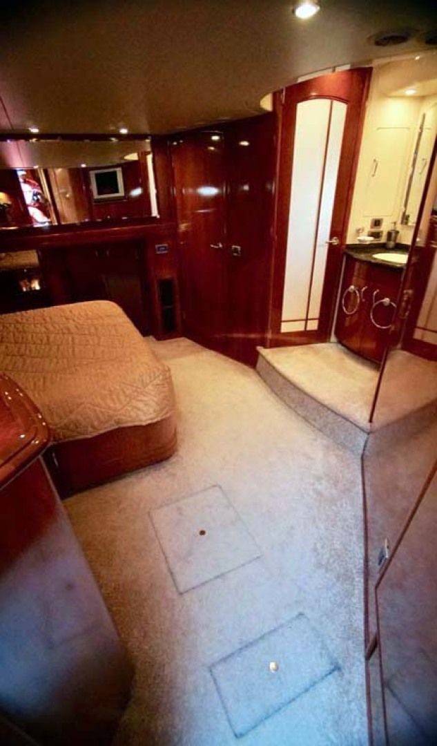 Carver-560 Voyager 2006-NEED A BREAK Fort Myers-Florida-United States-Master Stateroom-1105782 | Thumbnail