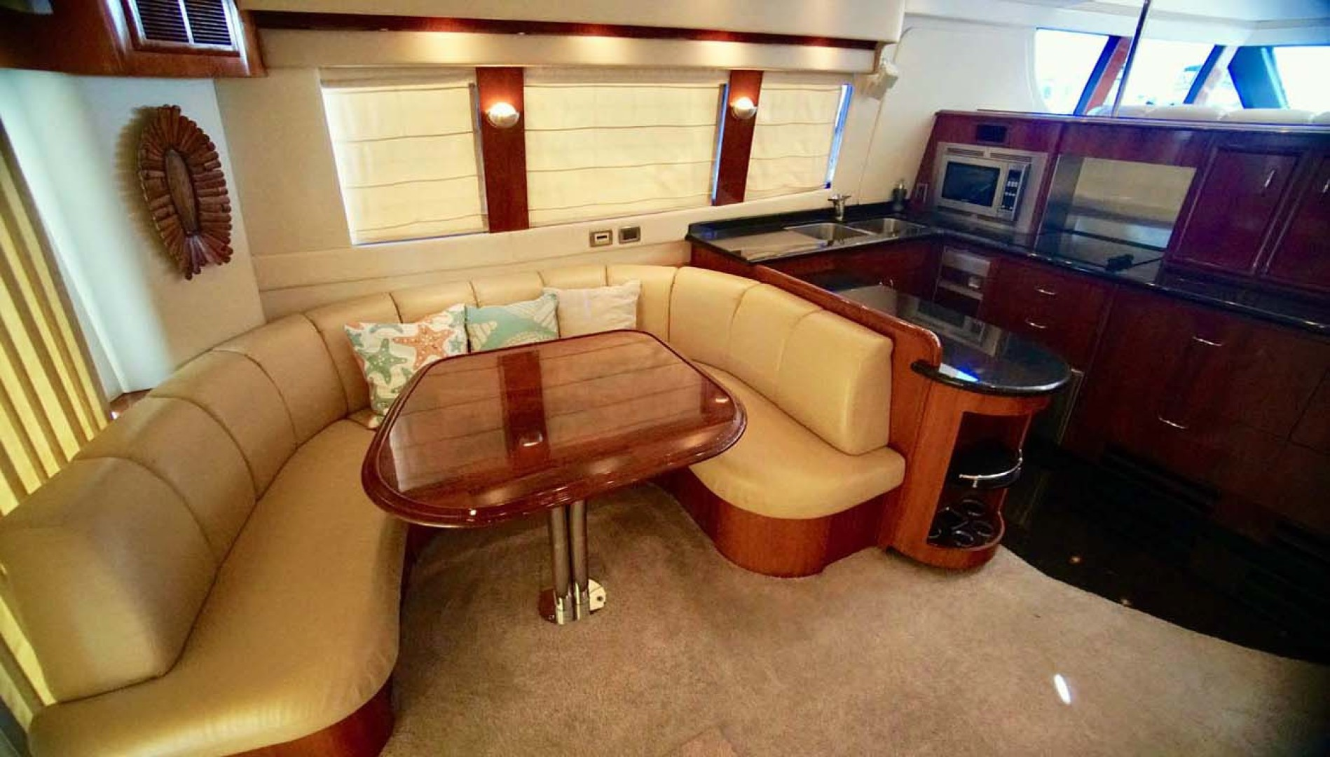 Carver-560 Voyager 2006-NEED A BREAK Fort Myers-Florida-United States-Dinette-1105770 | Thumbnail