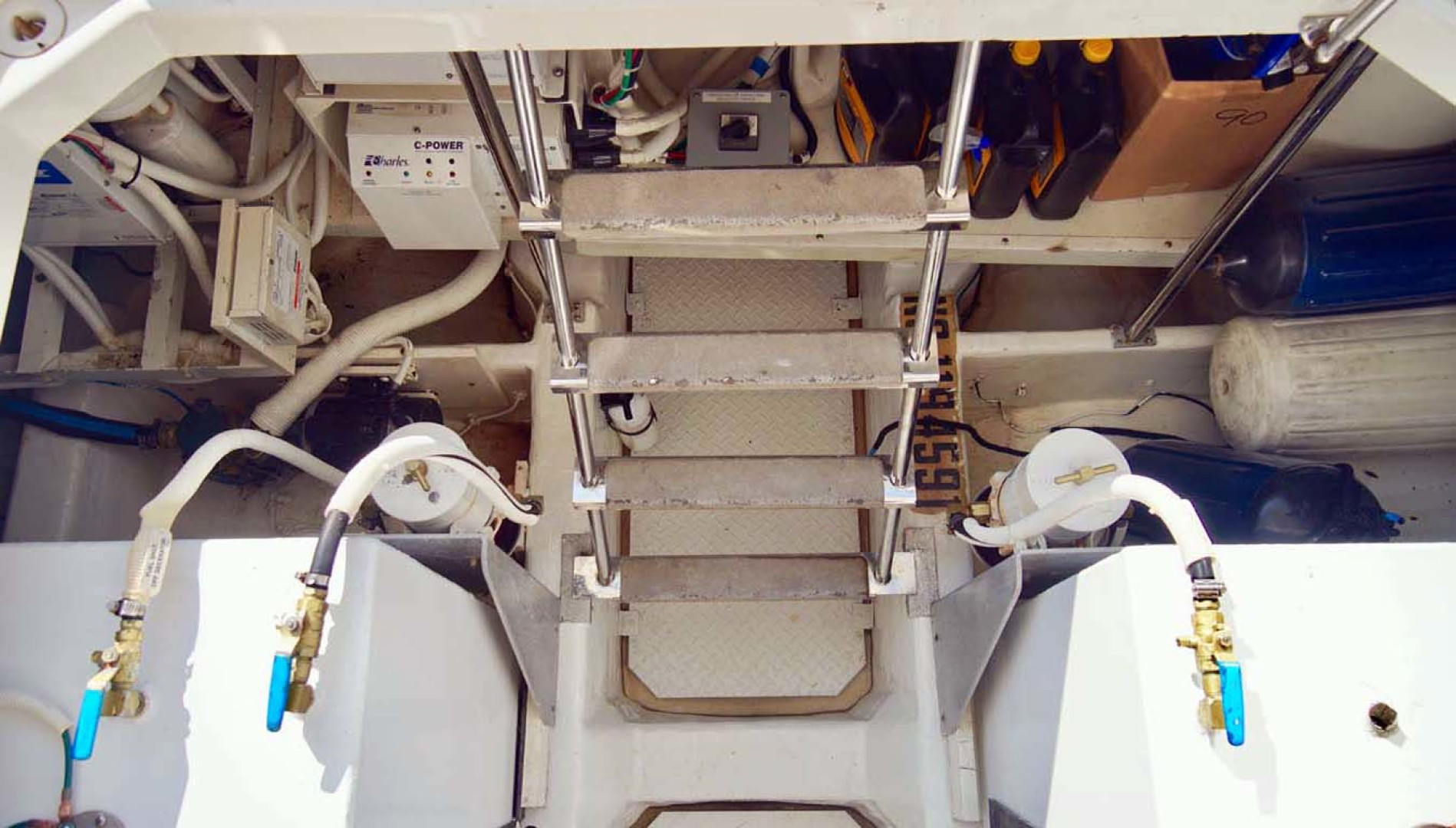 Carver-560 Voyager 2006-NEED A BREAK Fort Myers-Florida-United States-Engine Room Access-1105803 | Thumbnail