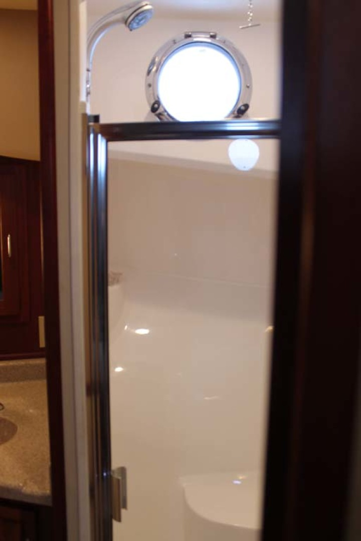 American Tug-Pilothouse 2006-Peregrine Albany-New York-United States-guest Enclosed Shower-1063158 | Thumbnail