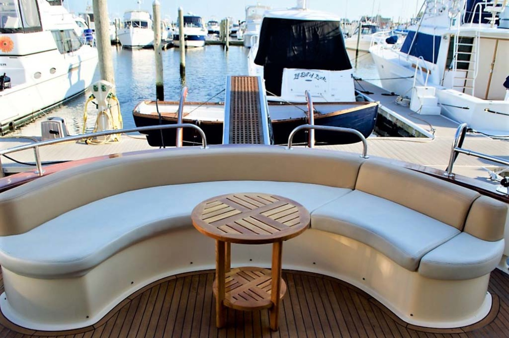 Apreamare-Express Cruiser 2005-SYBERATIC Long Island-New York-United States-Cockpit Seating-1063767 | Thumbnail