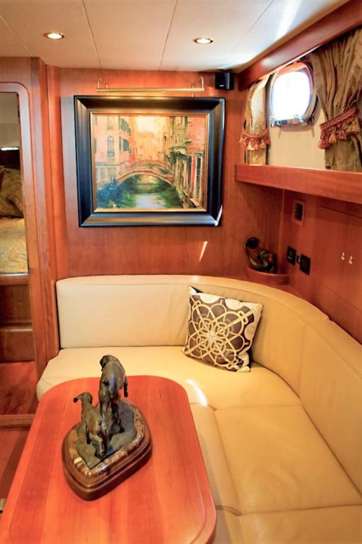 Apreamare-Express Cruiser 2005-SYBERATIC Long Island-New York-United States-Salon Settee-1063781 | Thumbnail