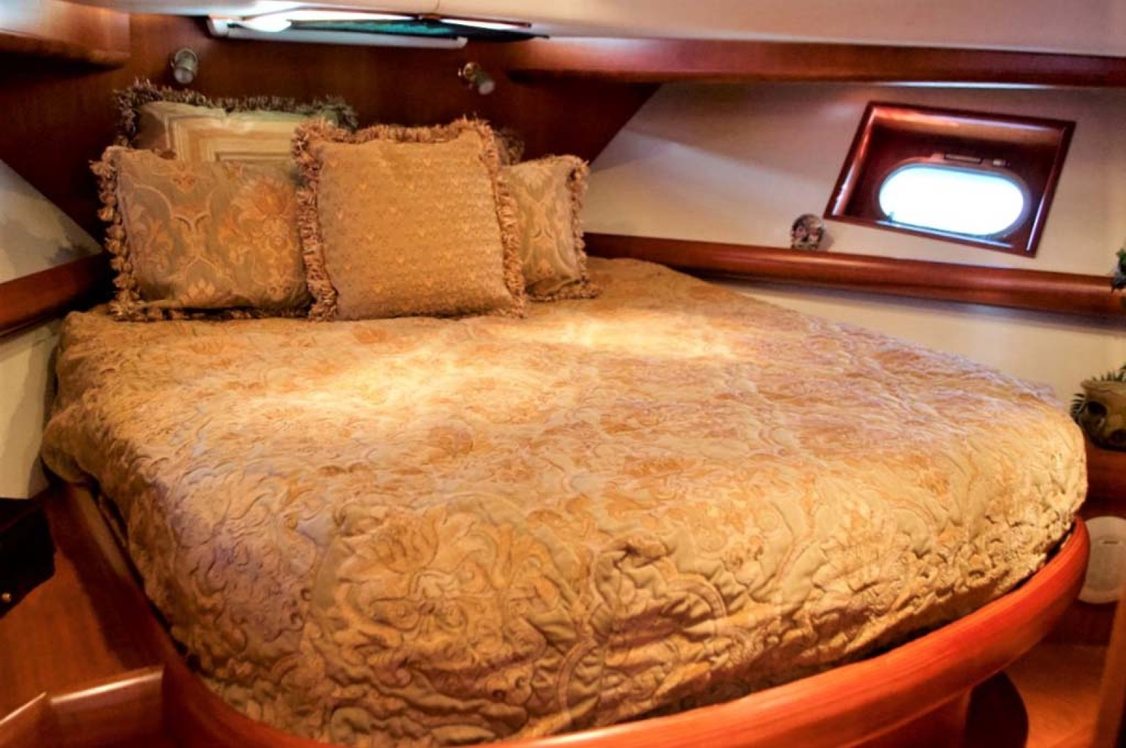 Apreamare-Express Cruiser 2005-SYBERATIC Long Island-New York-United States-Master Cabin-1063785 | Thumbnail