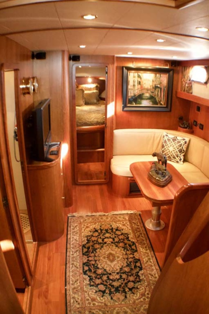 Apreamare-Express Cruiser 2005-SYBERATIC Long Island-New York-United States-Salon fwd-1063777 | Thumbnail