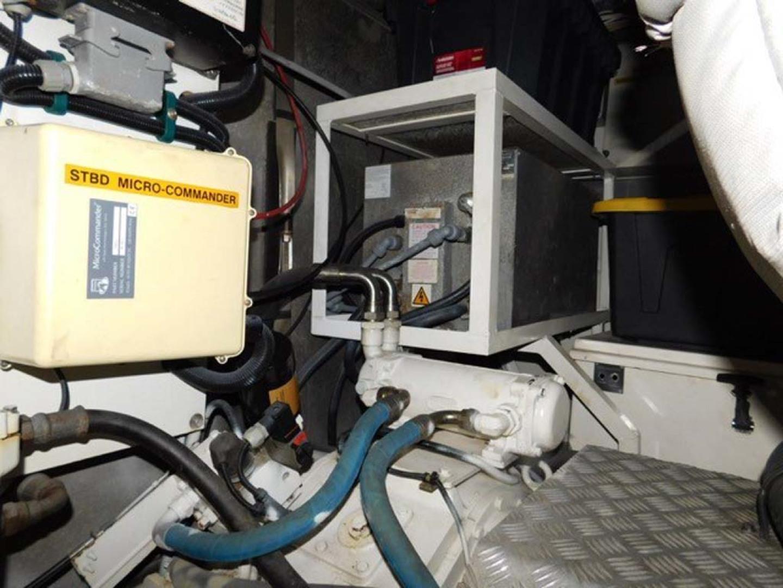 Sunseeker-Predator 2001-Cheryl Lynn Stuart-Florida-United States-Engine Room-1120367 | Thumbnail
