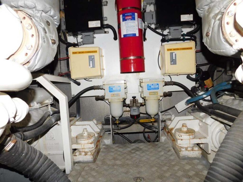 Sunseeker-Predator 2001-Cheryl Lynn Stuart-Florida-United States-Engine Room-1120366 | Thumbnail